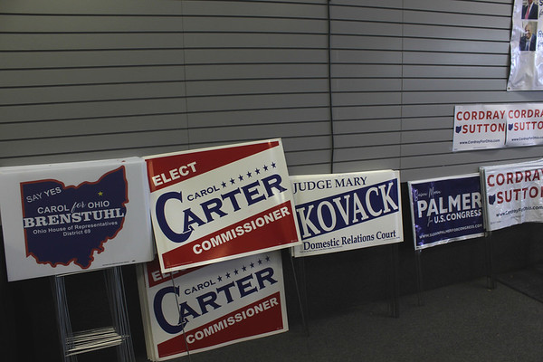 Democrats open campaign office in Medina County