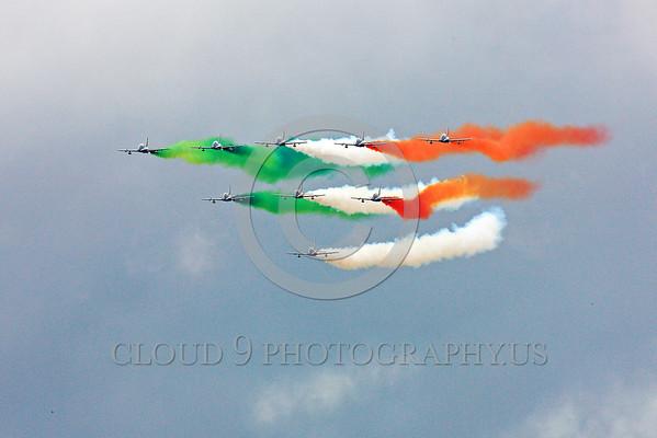 ITALIAN: TRICOLORI: The Italian Air Force's Frecce Tricolori Aerobatic Team Military Airplane Pictures