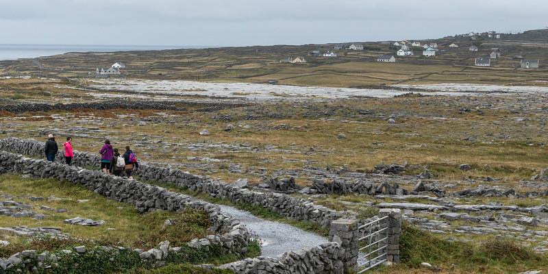 Tourists at prehistoric Fort of Dun Aonghasa, Kilronan, Inishmore, Aran Islands, County Galway, Republic of Ireland