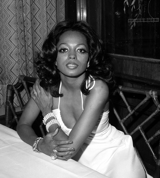 . Singer-actress Diana Ross is shown at a New York City restaurant Friday night, Jan. 13, 1973.  (AP Photo/Dave Pickoff)