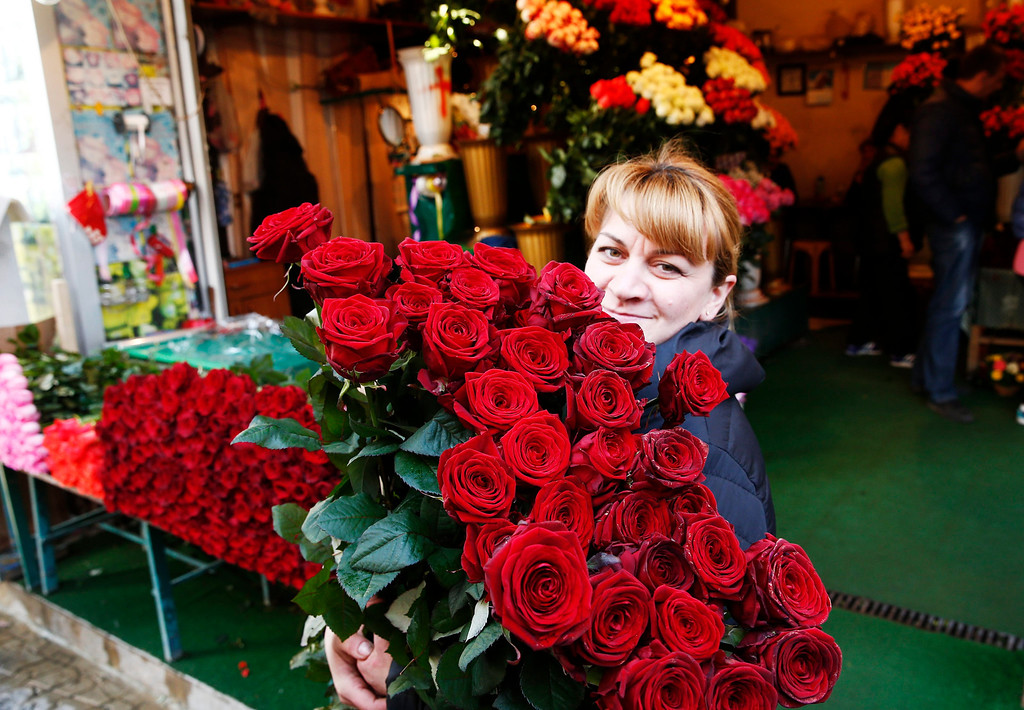 . Flowers on sale for Valentines day in downtown Sochi, Russia, during the Sochi 2014 Olympic Games, 14 February 2014.  EPA/VINCENT JANNINK