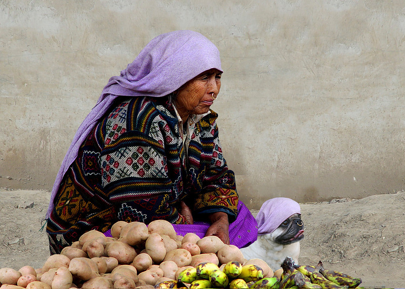 POTATO SELLERS - BHUTAN