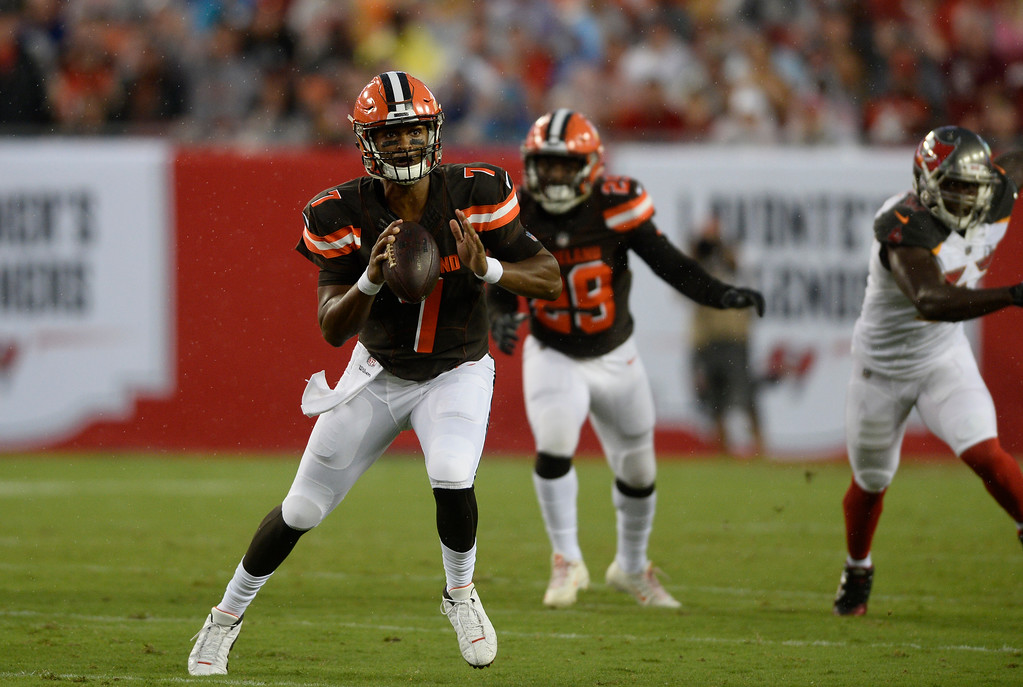 . Cleveland Browns quarterback DeShone Kizer (7) looks to pass against the Tampa Bay Buccaneers during the first quarter of an NFL preseason football game Saturday, Aug. 26, 2017, in Tampa, Fla. (AP Photo/Jason Behnken)