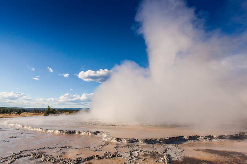 Great Fountain Geyser on the Firehole Lake Drive