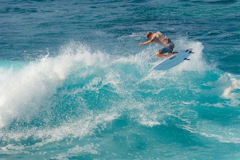 Hookipa Surfing-62423.jpg