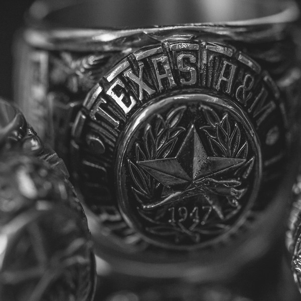 An up-close picture of the TAMUCC ring.