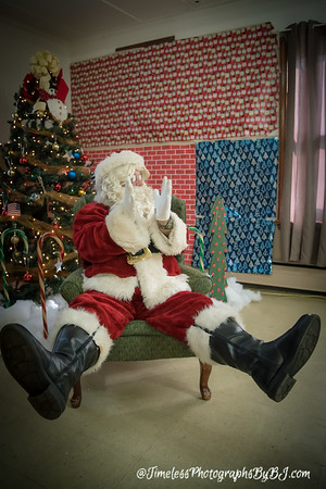 2016 VFW Post 253 Kids with Santa