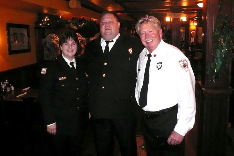 Joe,Jennie,Marty 11-30-2008 Quigleys.jpg