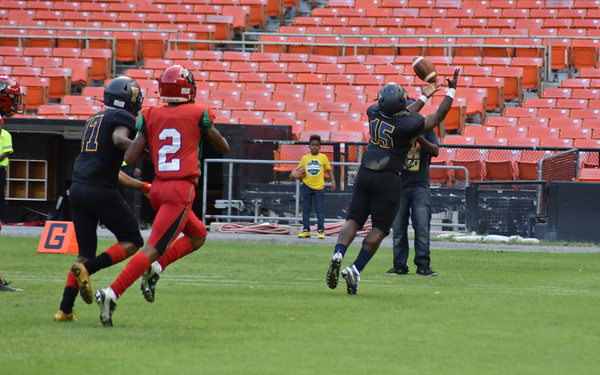 Friendship Collegiate (DC) vs. HD Woodson (DC) football