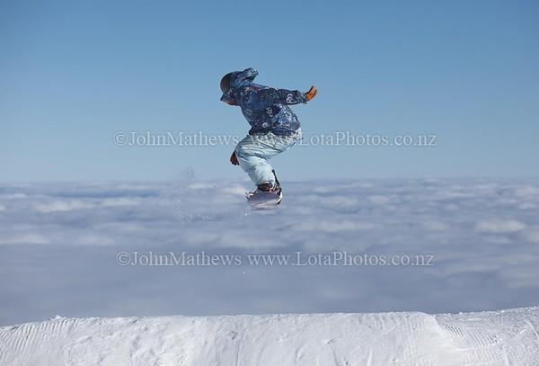 20120718 Snow Boarders on Turoa ski field _MG_5272 WM