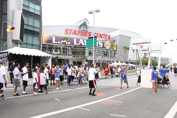 Lakers 3 on 3 Atmosphere/Signage