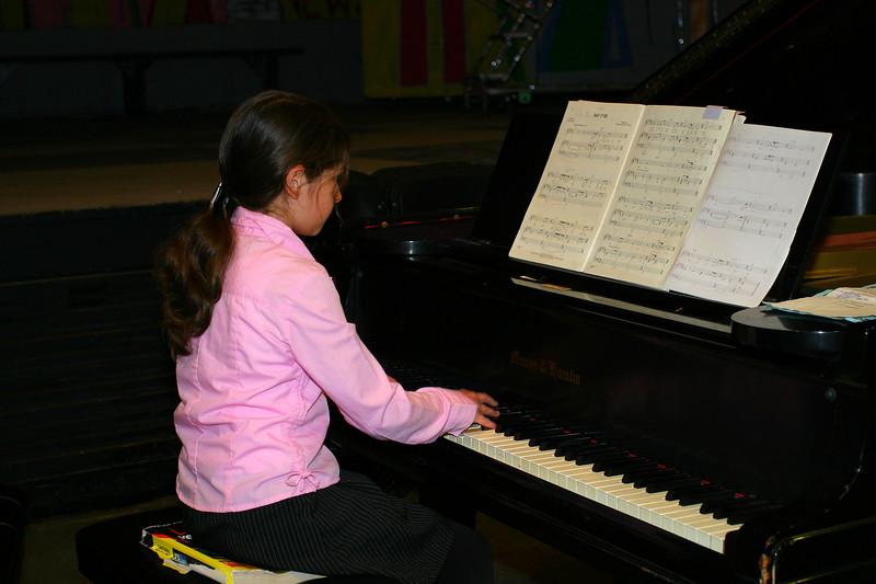 Anisa playing.