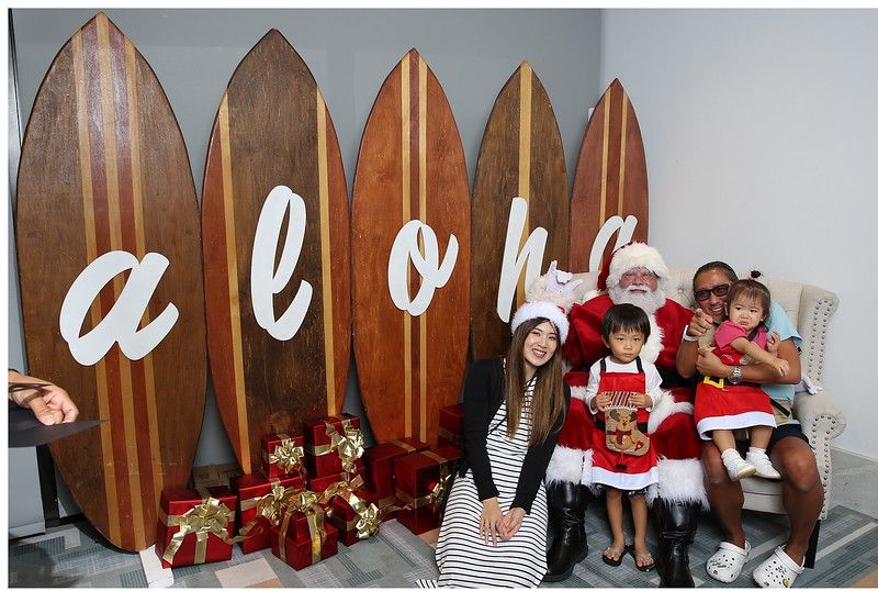 Ritz-Carlton Waikiki Christmas (Santa Photos)