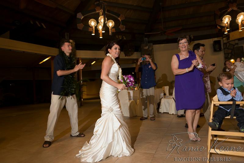 248__Hawaii_Destination_Wedding_Photographer_Ranae_Keane_www.EmotionGalleries.com__140705.jpg