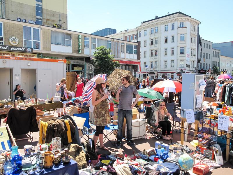 2010-06-06-Flohmarkt 85.jpg