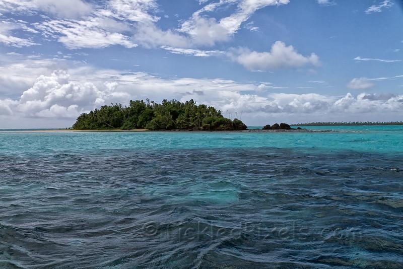 Motu in Aitutaki Lagoon