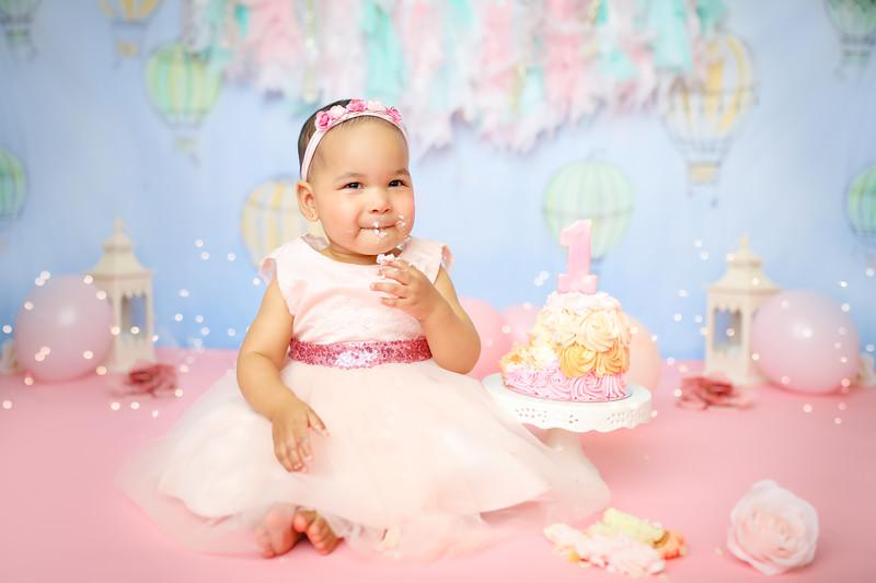 POSTnewport_babies_photography_hot_air_balloon_cakesmash-9217-1.jpg