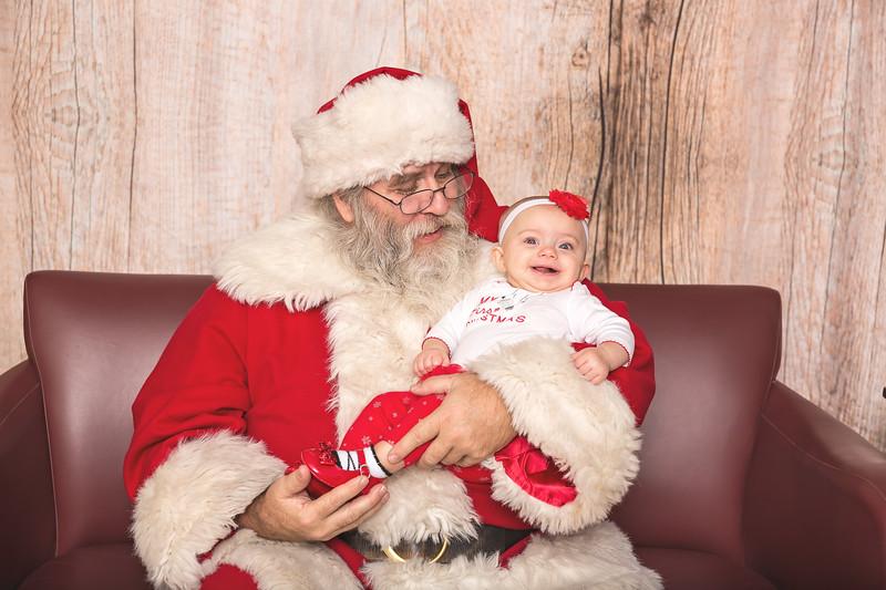 Ameriprise-Santa-Visit-181202-5061.jpg