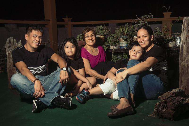 Velardes Family Portrait-14.jpg
