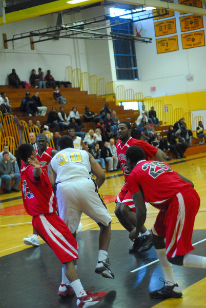 20090301_MCC Basketball_5707.JPG