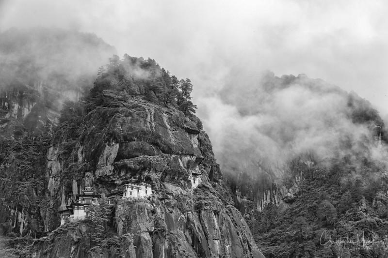 Paro Taktsang-tigers-nest_20120921_2314.jpg