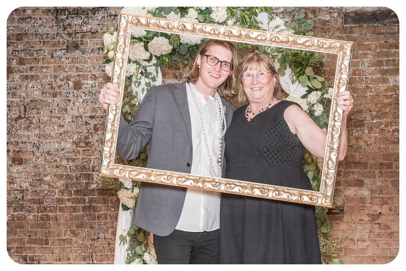 Laren&Bob-Wedding-Photobooth-97.jpg
