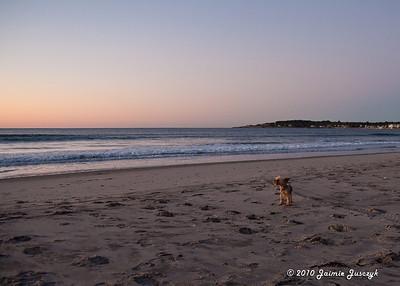 Sunrise Narragansett beach with HKTWH