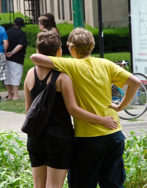 dykes Hugging VerticalDSC_8846.jpg
