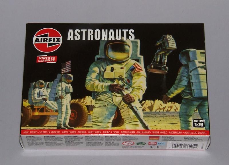 Astronauts, 01s.jpg