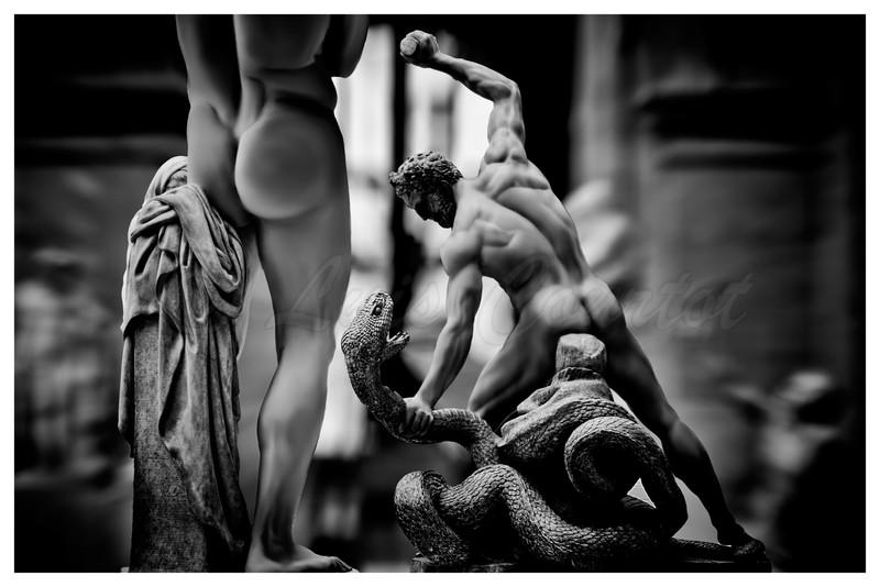 20150624_Louvre musée_0167 B&W.jpg