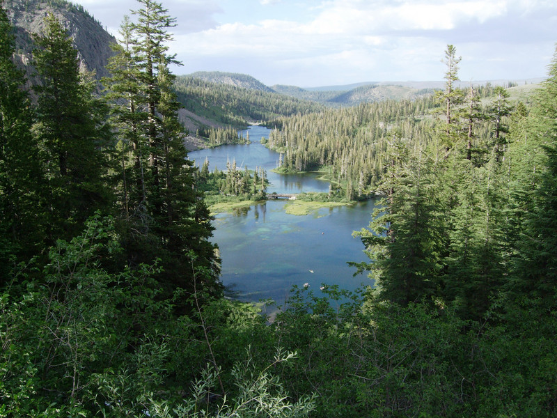 A view from Mamie Lake (2.255m or 9,026ft) towards Twin Lakes