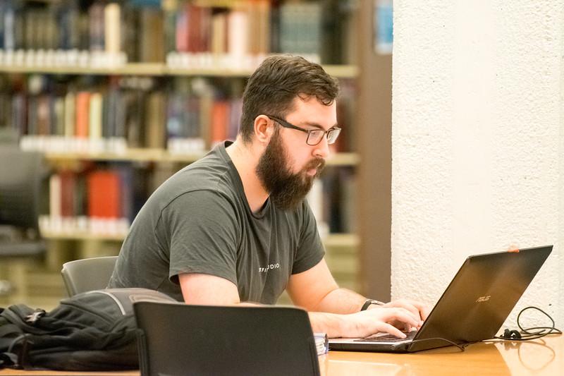 Student Studing in LibraryApril 04, 2017-0015.jpg