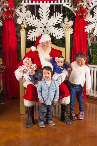 Santa 12-16-17-72.jpg