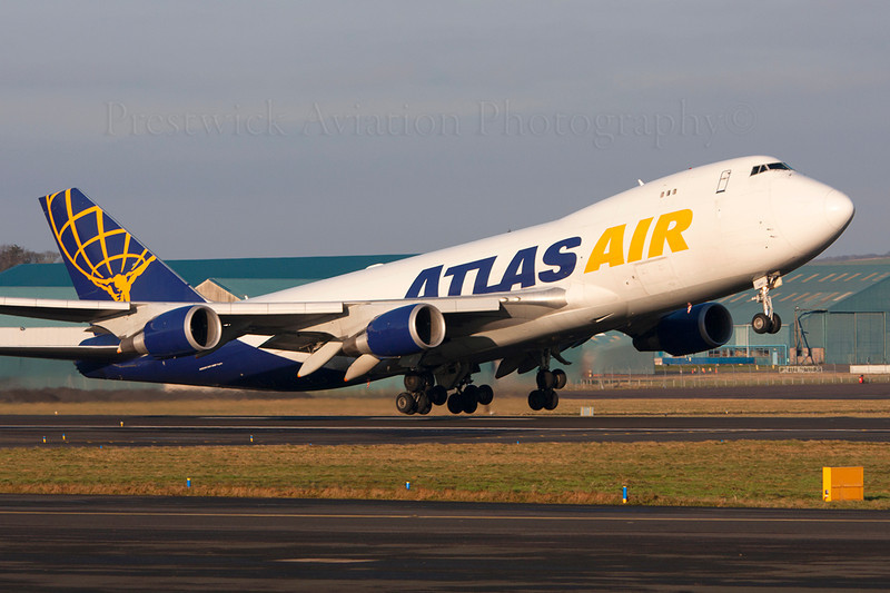 N499MC. Boeing 747-47UF SCD. Atlas Air. Prestwick. 281208.