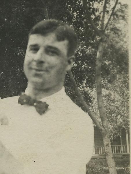 Bill  & Dad 1913122.jpg