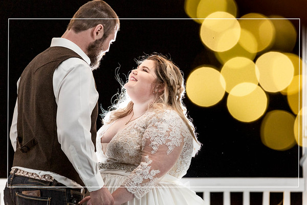Winter Wedding at Venue 311 in Plantersville Texas