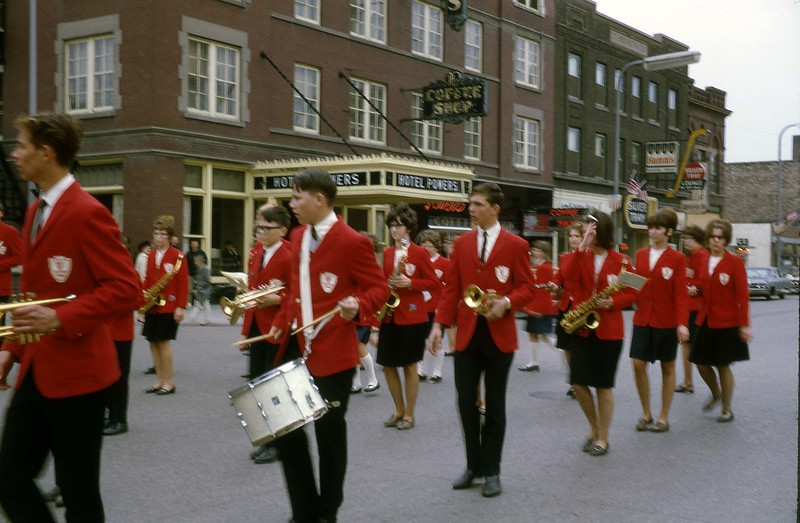 ARS076.  Fargo parade - Arthur marching band - 1966‡.jpg