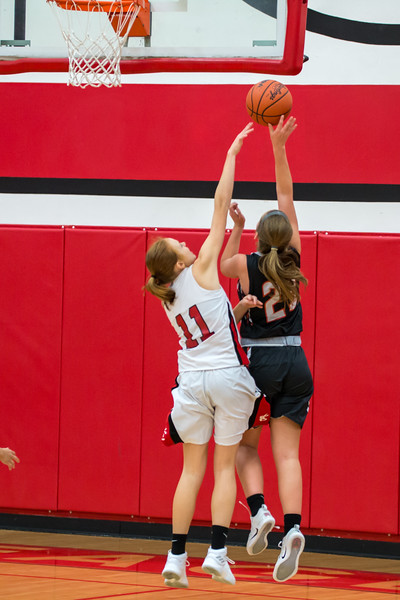 Rockford Basketball vs Kent City 11.28.17-20.jpg