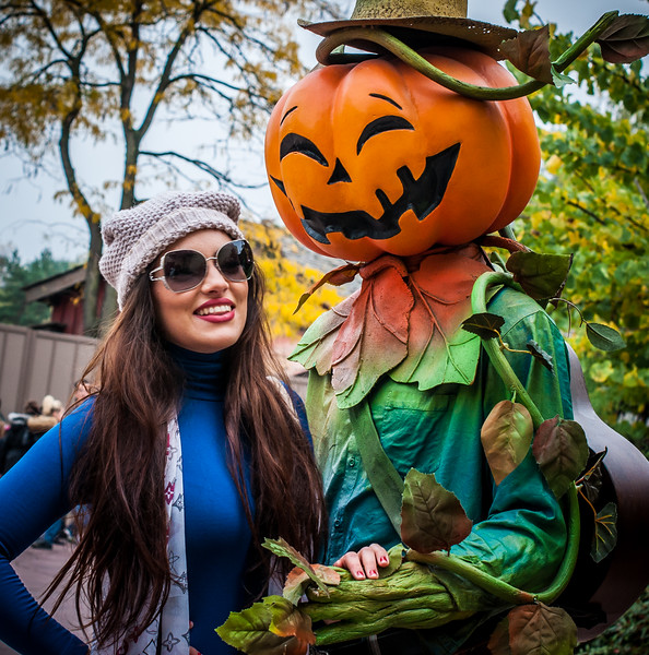 Beautiful Girl & Mr Pumpkinhead