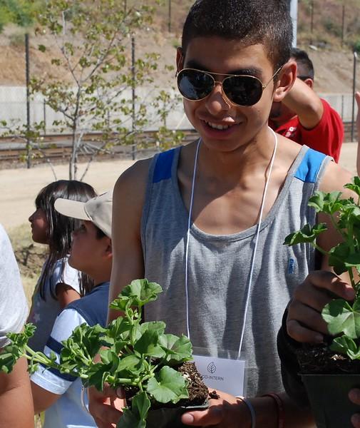 EarthDayLatino_FloraPlanting_2011--04-15_39.JPG