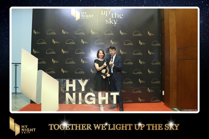 Buzz-Comm-Year-End-Party-instant-print-photo-booth-at-New-World-Saigon-Chup-hinh-lay-lien-Tat-nien-WefieBox-Photobooth-Vietnam-022.jpg