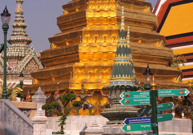 Main courtyard at the Grand Palace - Bangkok
