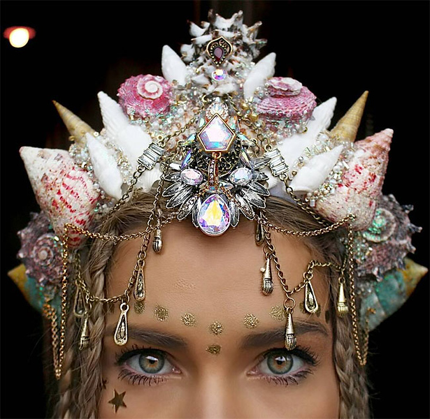 Awesome-Crowns-Created-Out-Of-Seashells-7.jpg