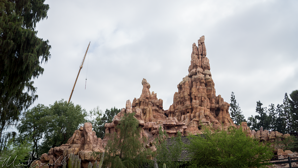 Disneyland Resort, Disneyland, Frontierland, Big Thunder Mountain Railroad, Big, Thunder, Mountain, Railroad, Star Wars Land, Construction, Star, Wars