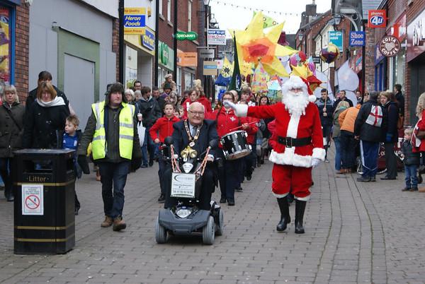 2013-11-24 Santa Comes to Town!
