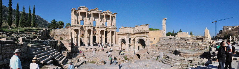 2010-10-31  524  Ephesus - The Library of Celsus and the Gate of Augustus