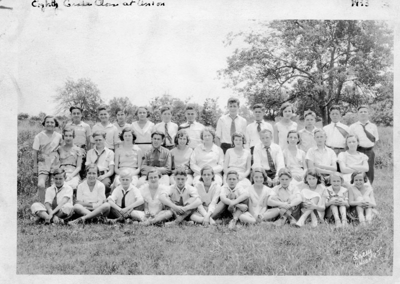 Eight grade class of 1933