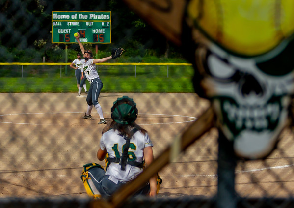 Vashon Island High School Fastpitch v Seattle Christian 05/08/2018