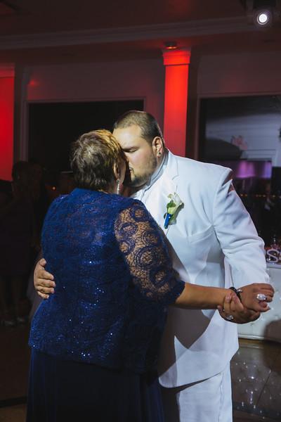 MER__0944_tonya_josh_new jerrsey wedding photography.jpg