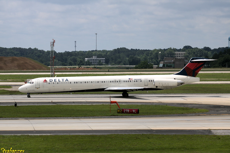 MD-88  s/n 53415 N906DE Delta